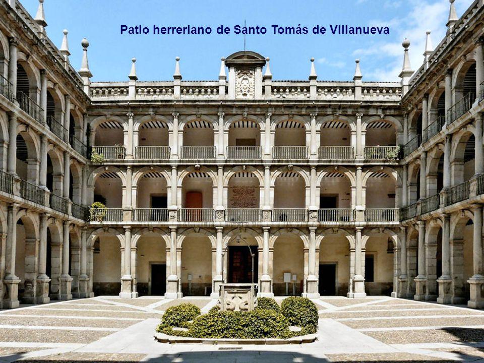 Patio herreriano de Santo Tomás de Villanueva