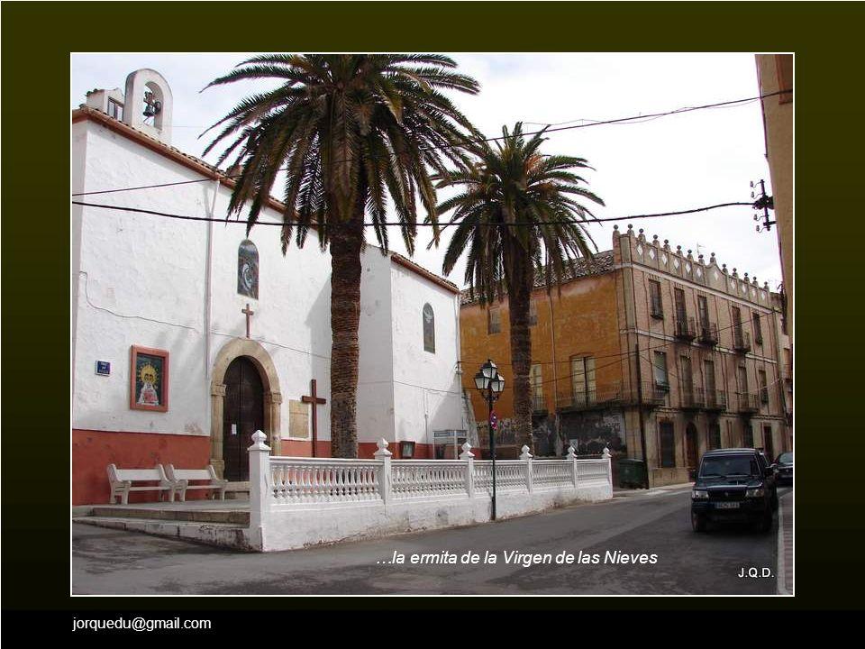 …la ermita de la Virgen de las Nieves