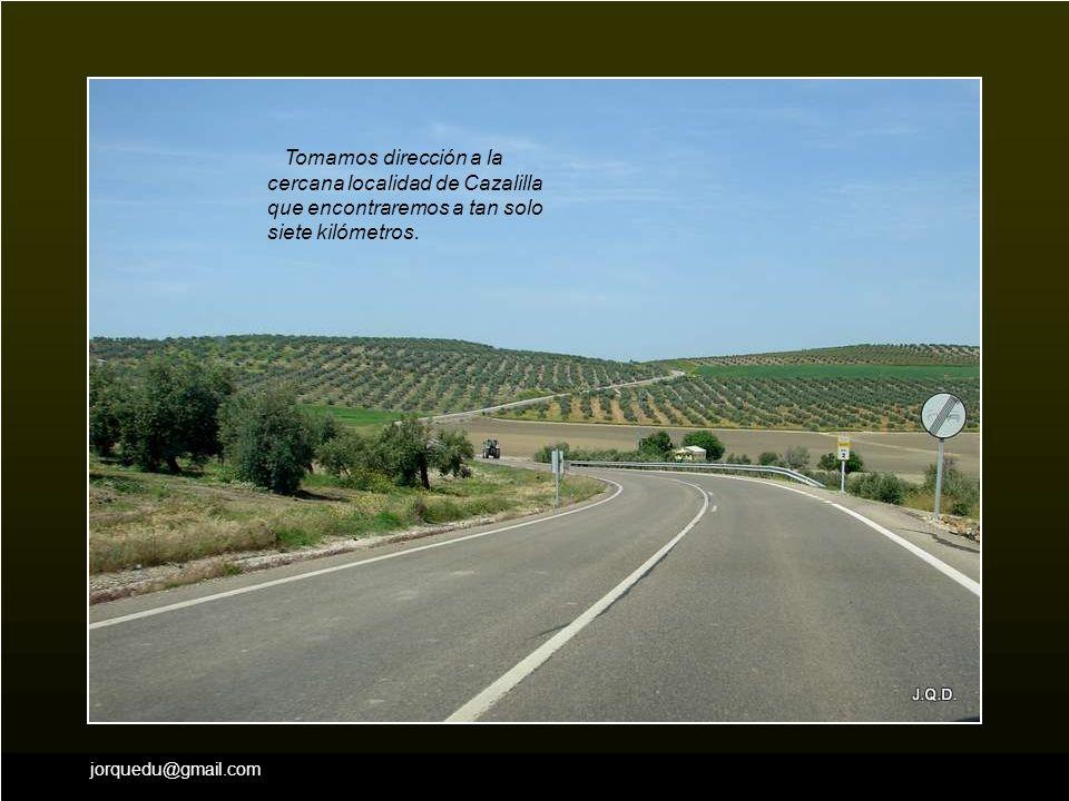 Tomamos dirección a la cercana localidad de Cazalilla que encontraremos a tan solo siete kilómetros.