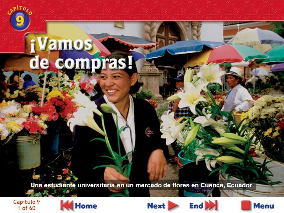 Una estudiante universitaria en un mercado de flores en Cuenca, Ecuador