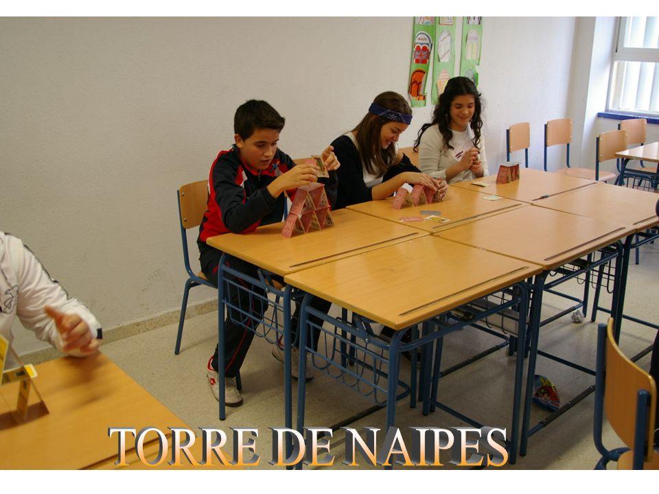 TORRE DE NAIPES