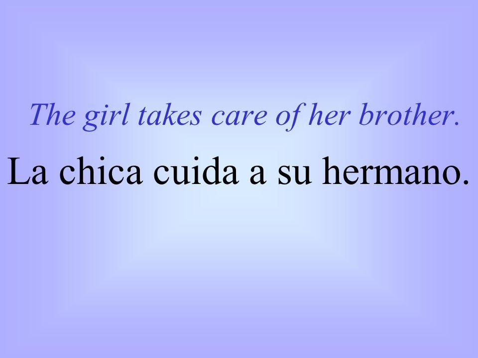La chica cuida a su hermano.