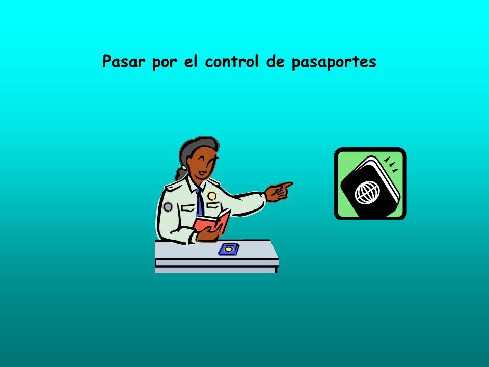 Pasar por el control de pasaportes