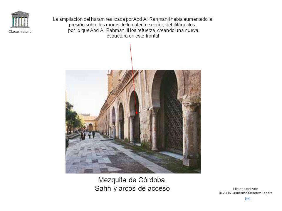 Mezquita de Córdoba. Sahn y arcos de acceso