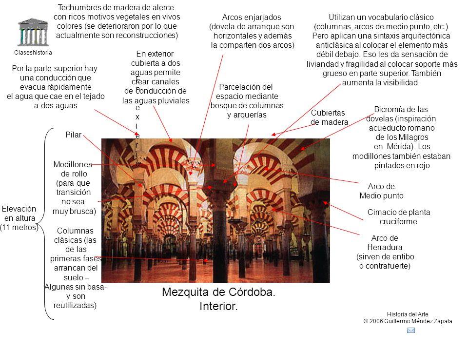Mezquita de Córdoba. Interior. Techumbres de madera de alerce