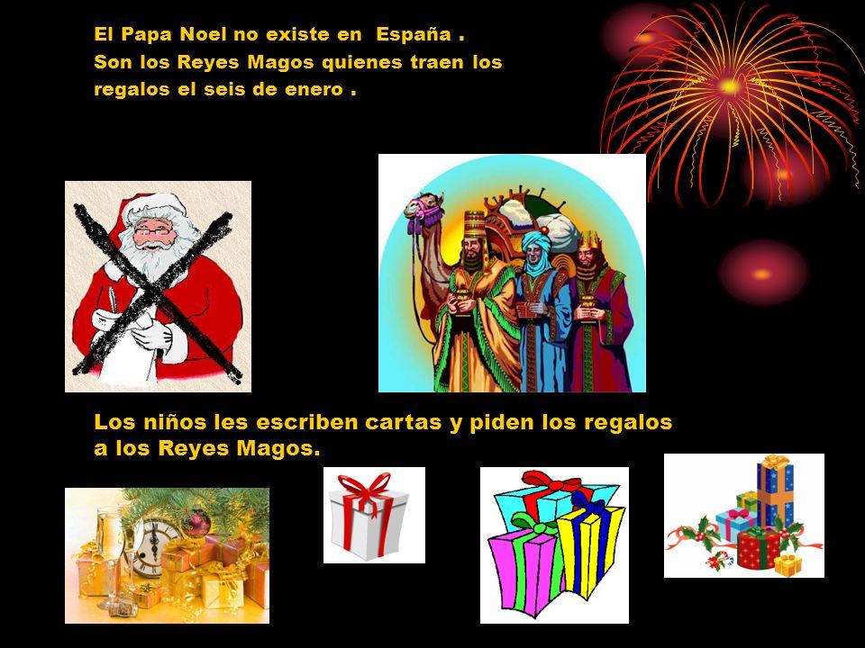 Los niños les escriben cartas y piden los regalos a los Reyes Magos.