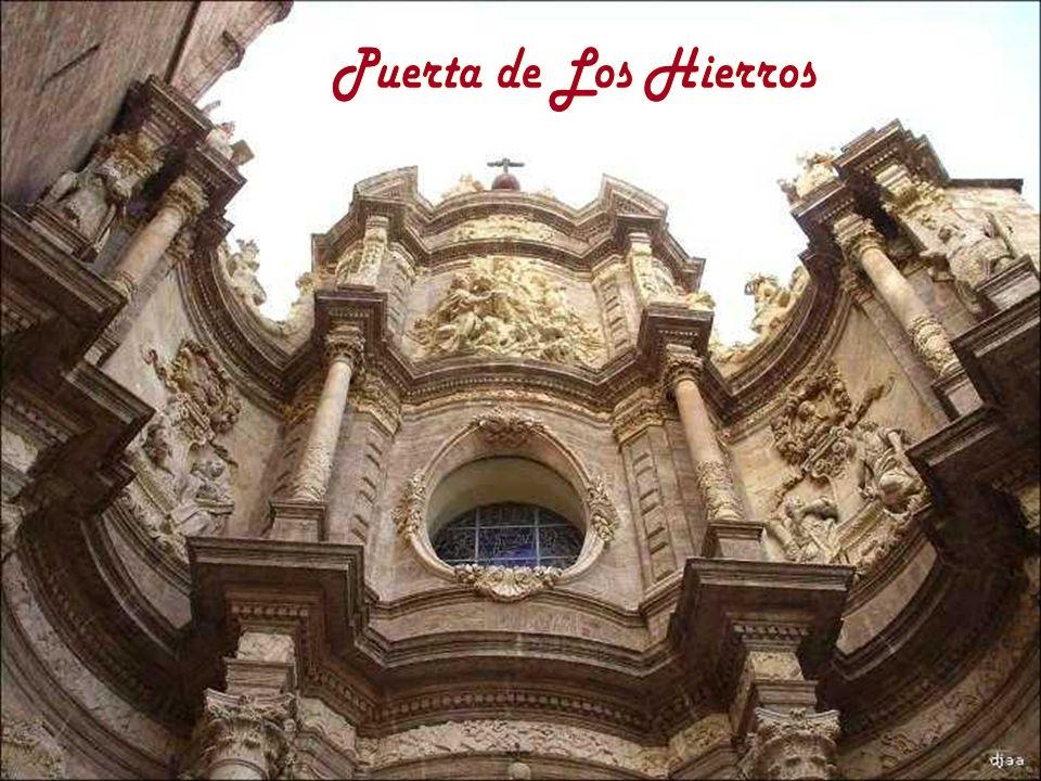 Puerta de Los Hierros