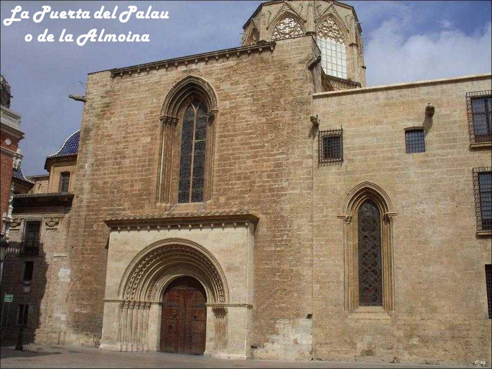 La Puerta del Palau o de la Almoina