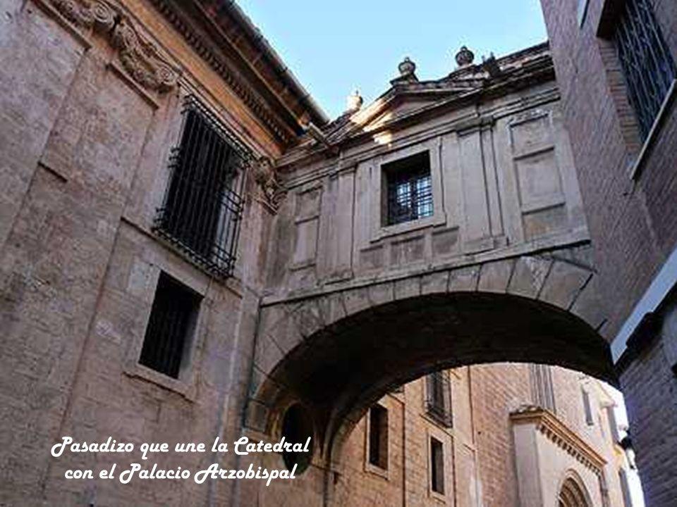 Pasadizo que une la Catedral con el Palacio Arzobispal