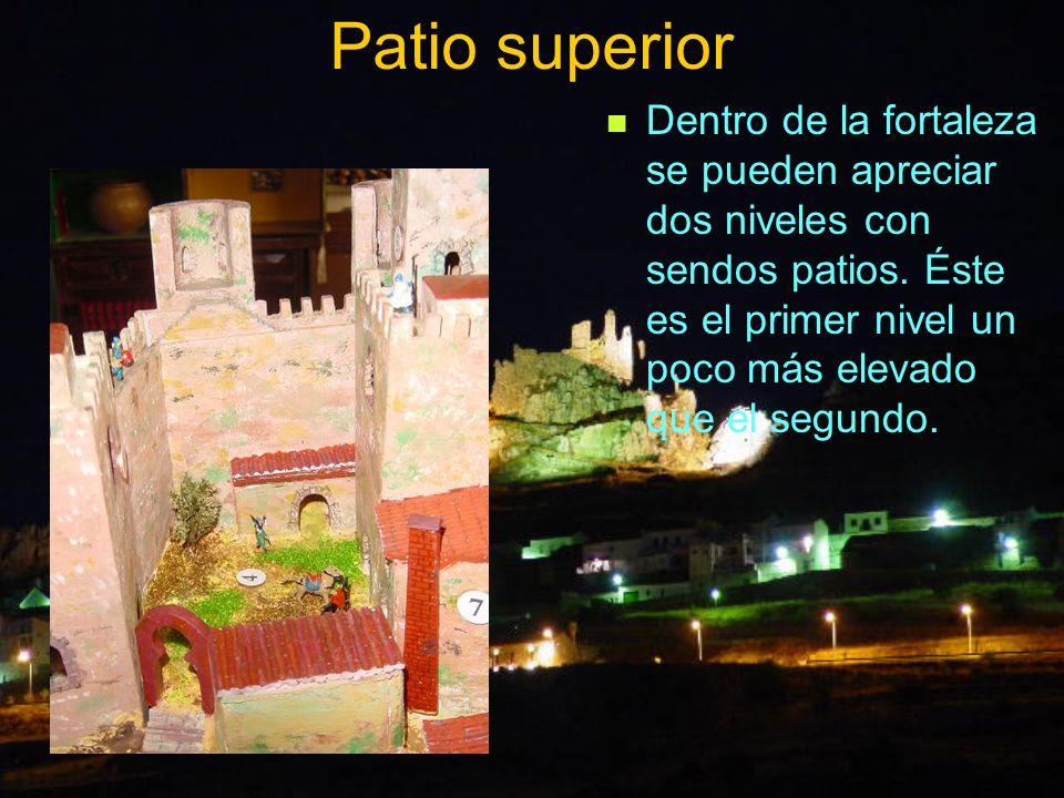Patio superior Dentro de la fortaleza se pueden apreciar dos niveles con sendos patios.