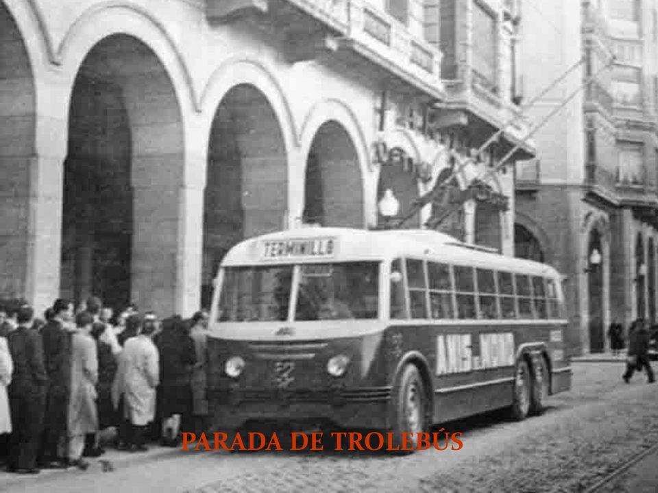 PARADA DE TROLEBÚS