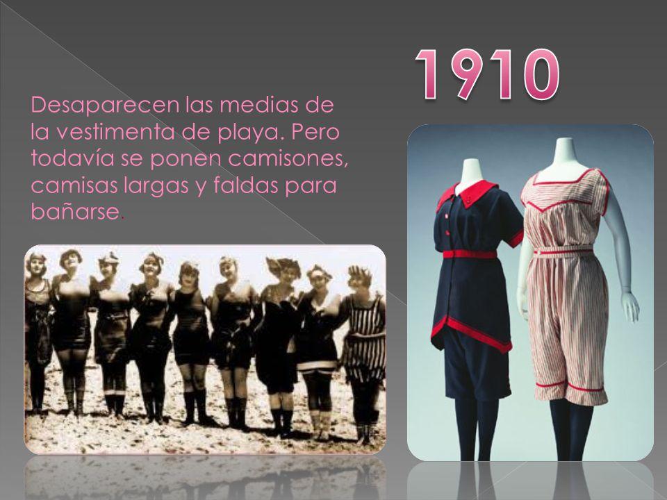 1910 Desaparecen las medias de la vestimenta de playa.