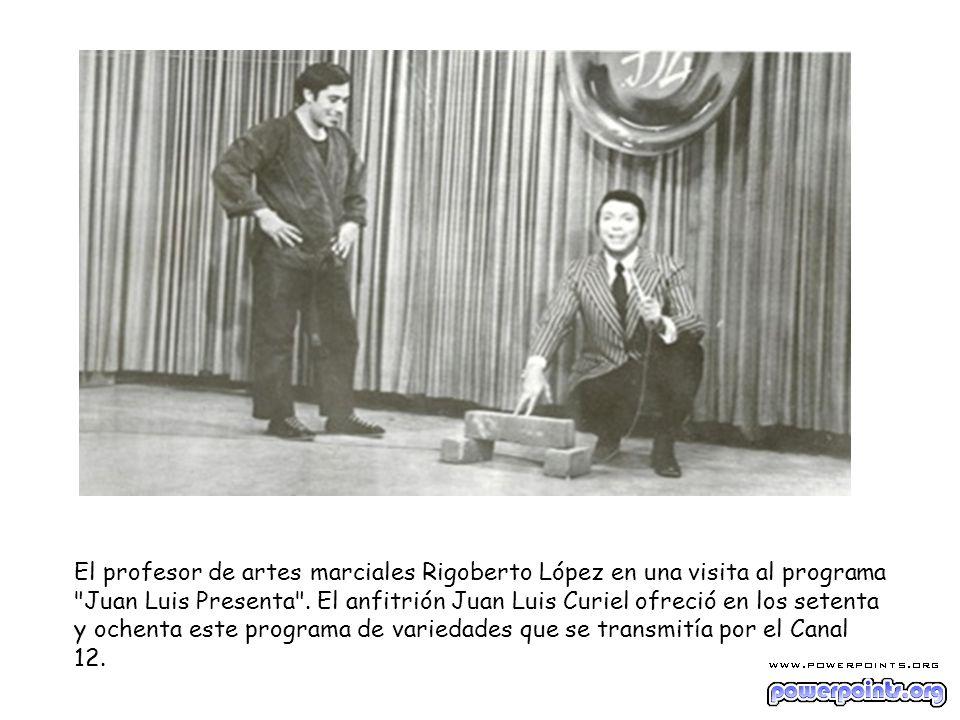 El profesor de artes marciales Rigoberto López en una visita al programa Juan Luis Presenta .