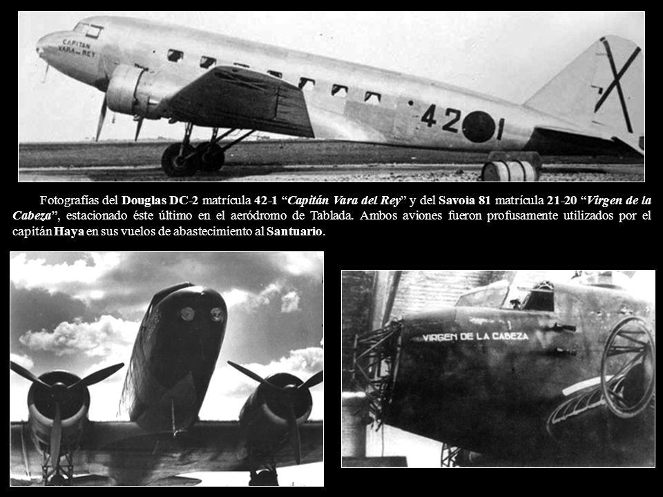 Fotografías del Douglas DC-2 matrícula 42-1 Capitán Vara del Rey y del Savoia 81 matrícula 21-20 Virgen de la Cabeza , estacionado éste último en el aeródromo de Tablada.