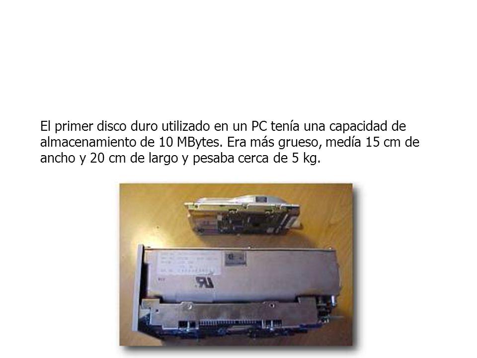 El primer disco duro utilizado en un PC tenía una capacidad de almacenamiento de 10 MBytes.