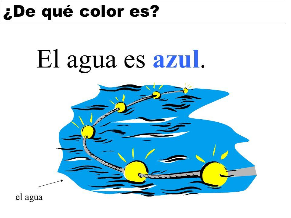 El agua es azul. el agua