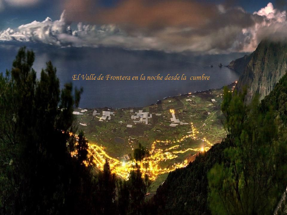 El Valle de Frontera en la noche desde la cumbre