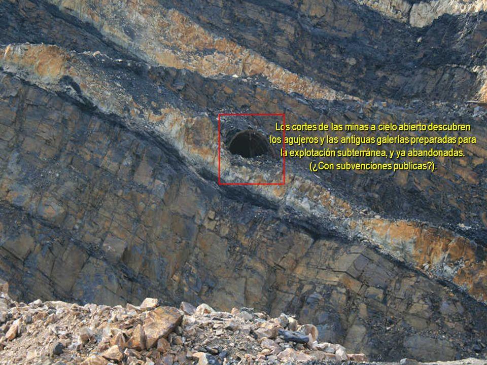 Los cortes de las minas a cielo abierto descubren