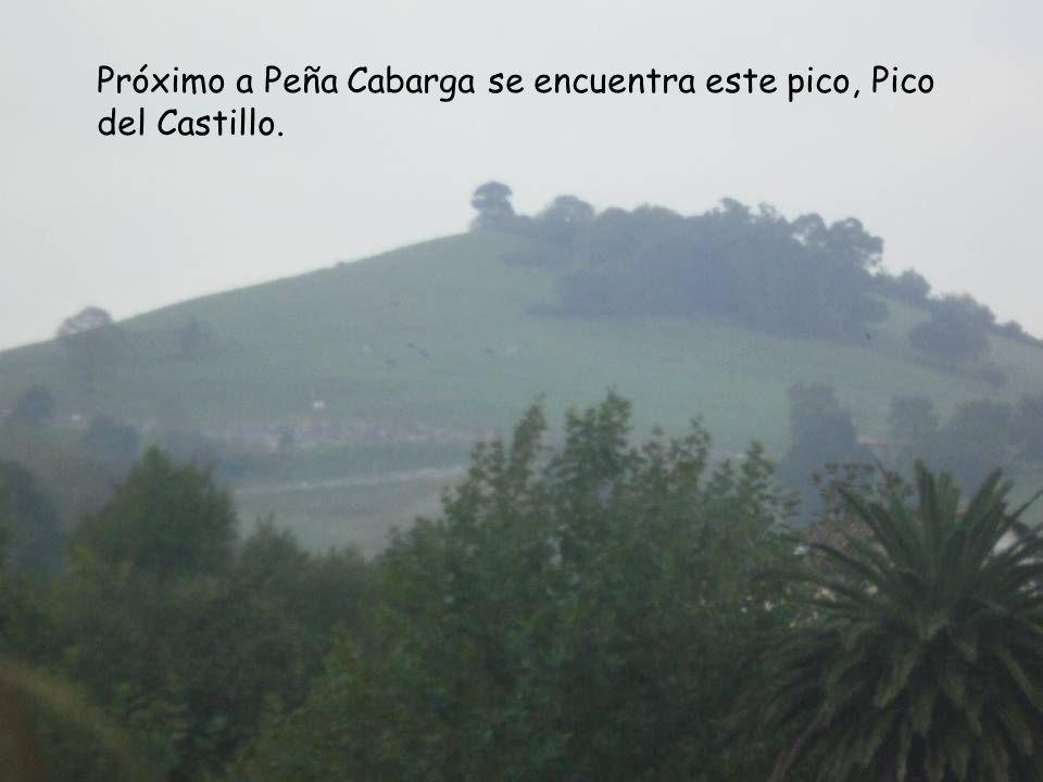 Próximo a Peña Cabarga se encuentra este pico, Pico del Castillo.