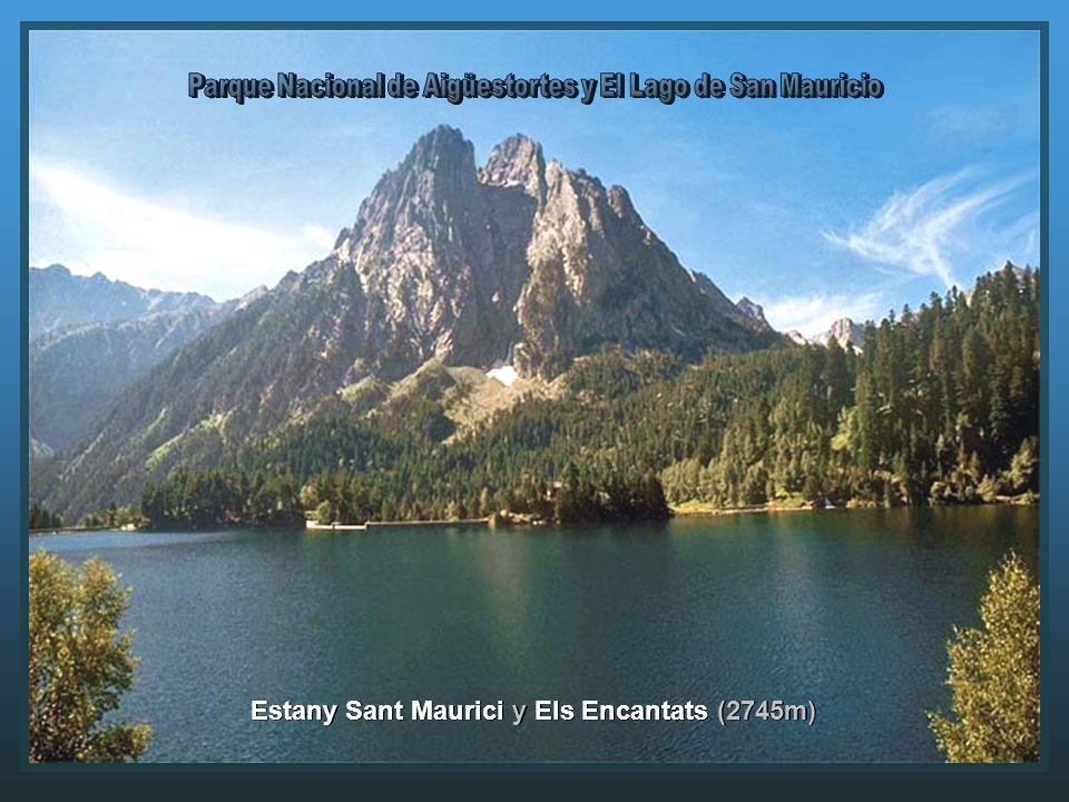Estany Sant Maurici y Els Encantats (2745m)