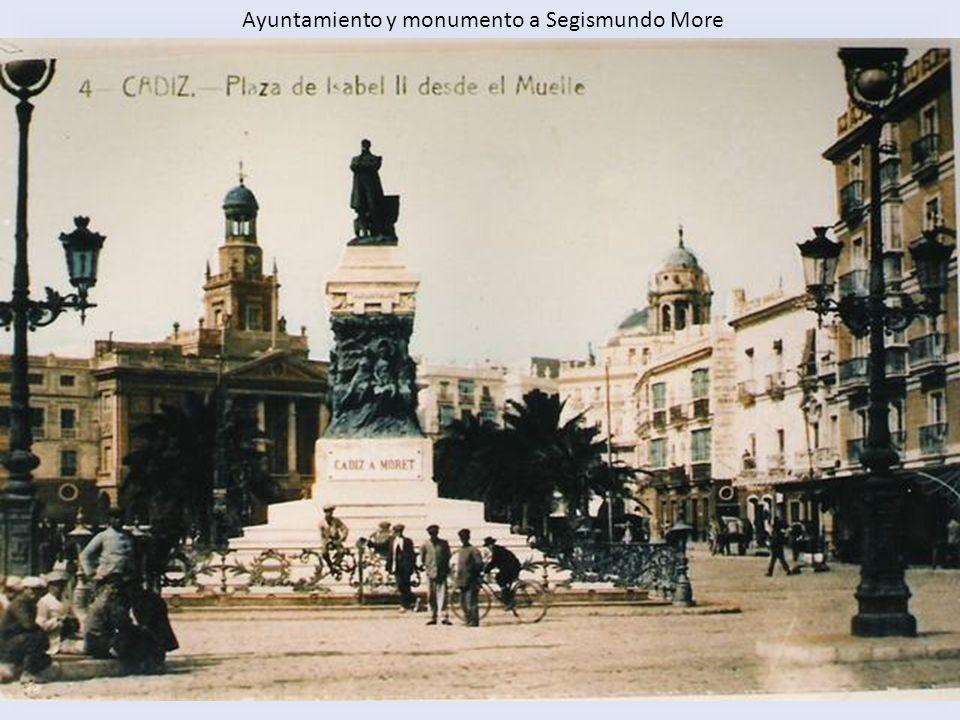 Ayuntamiento y monumento a Segismundo More