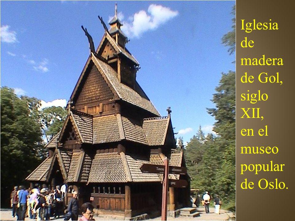 Iglesia de madera de Gol, siglo XII,