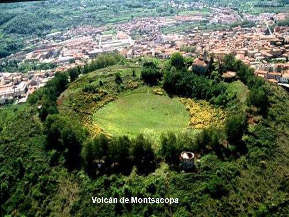 Volcán de Montsacopa
