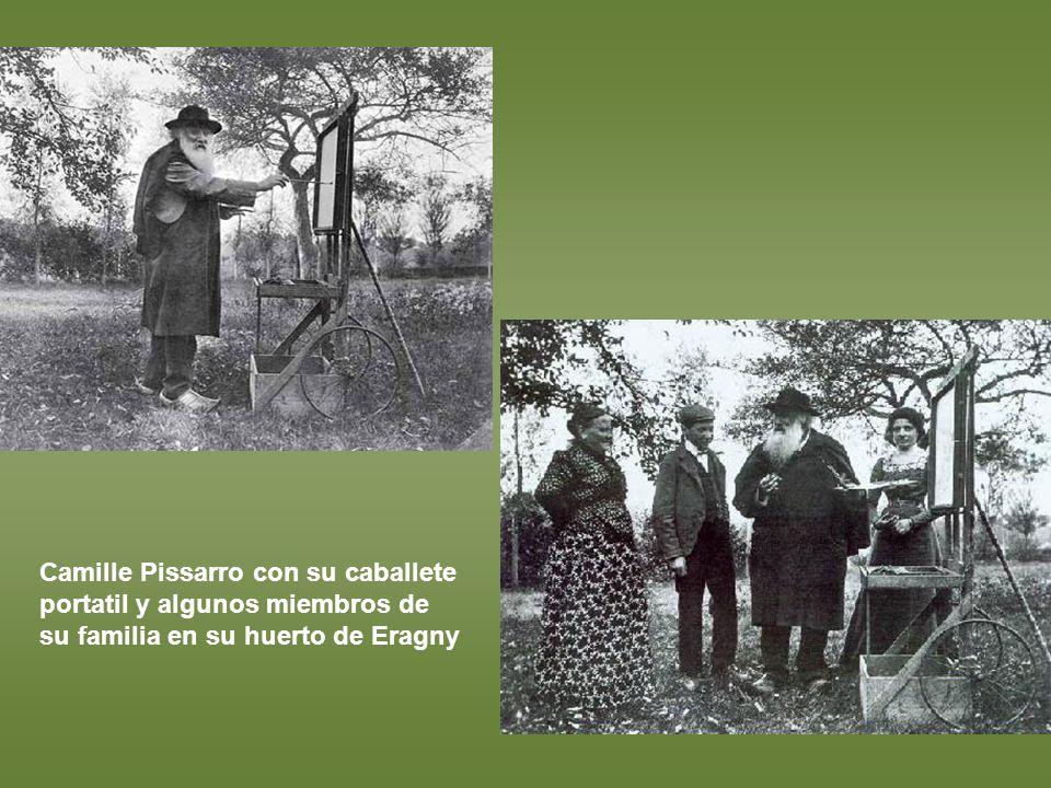 Camille Pissarro con su caballete portatil y algunos miembros de su familia en su huerto de Eragny
