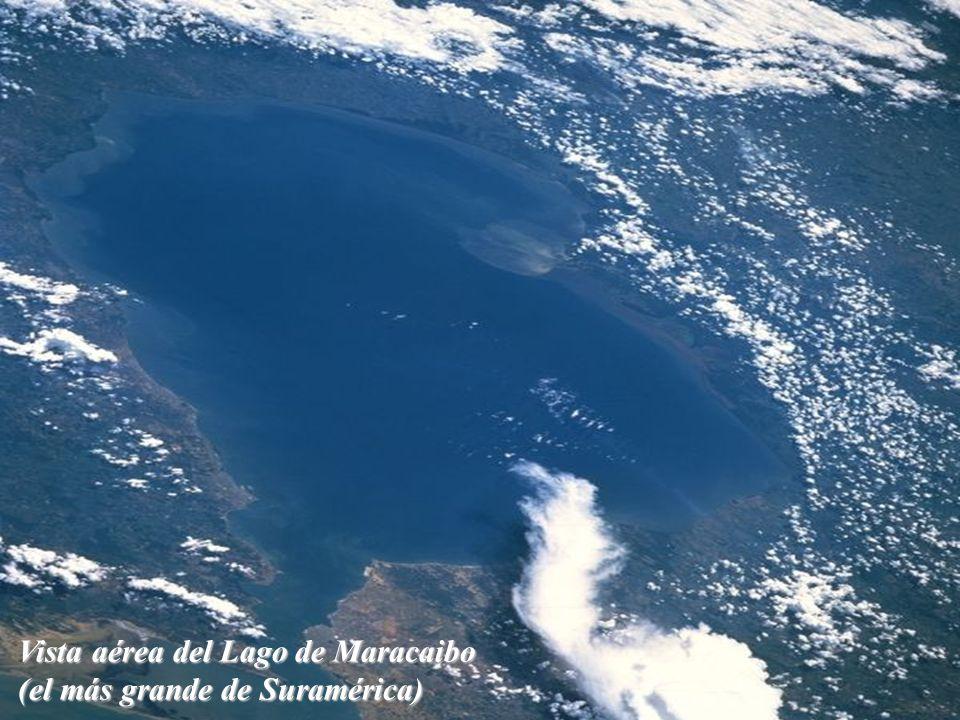 Vista aérea del Lago de Maracaibo