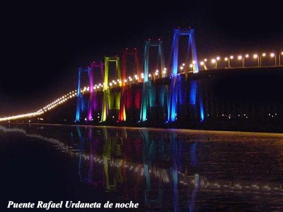 Puente Rafael Urdaneta de noche