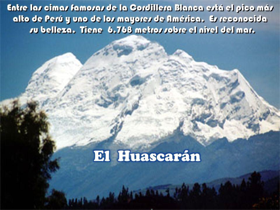 Entre las cimas famosas de la Cordillera Blanca está el pico más