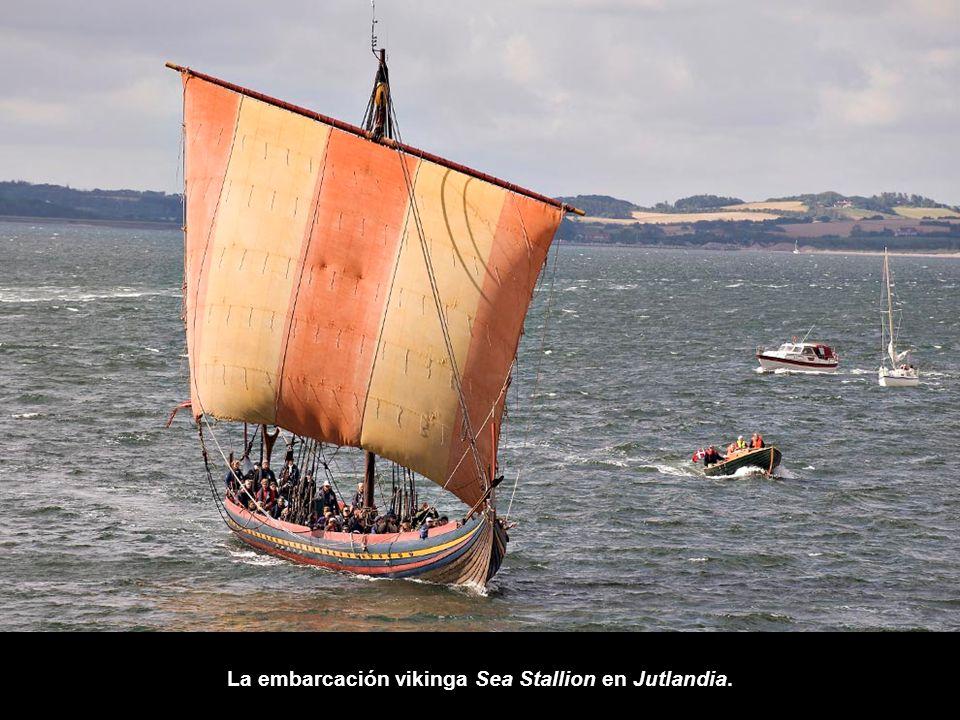 La embarcación vikinga Sea Stallion en Jutlandia.