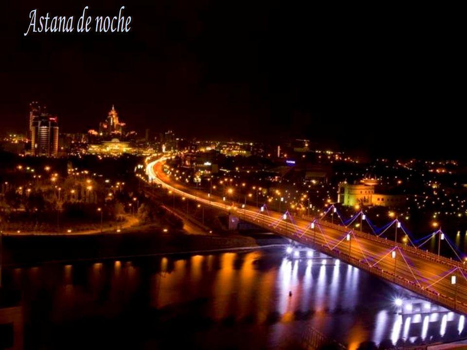 Astana de noche