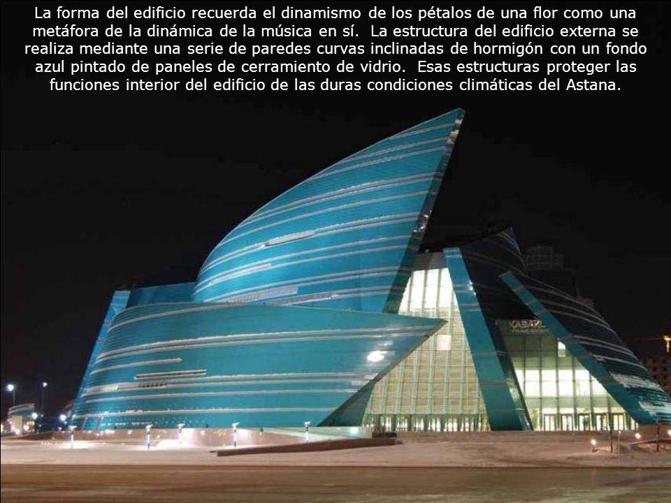 La forma del edificio recuerda el dinamismo de los pétalos de una flor como una metáfora de la dinámica de la música en sí.