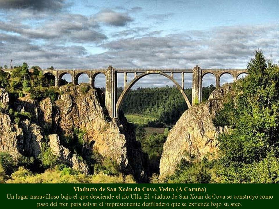Viaducto de San Xoán da Cova, Vedra (A Coruña) Un lugar maravilloso bajo el que desciende el río Ulla.