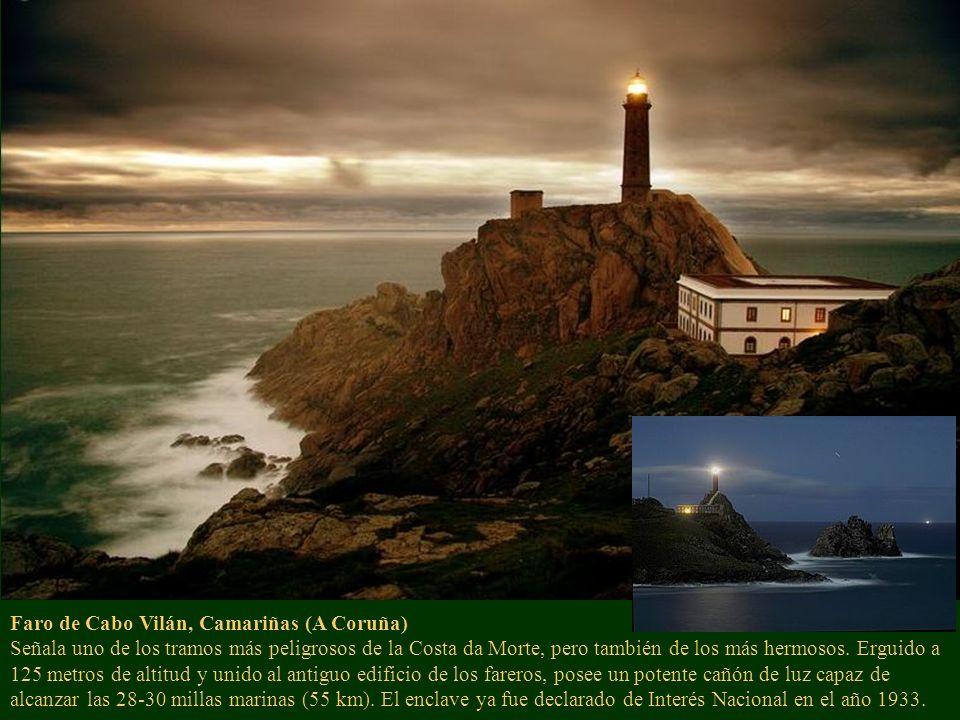 Faro de Cabo Vilán, Camariñas (A Coruña) Señala uno de los tramos más peligrosos de la Costa da Morte, pero también de los más hermosos.