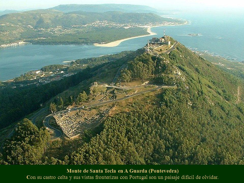 Monte de Santa Tecla en A Guarda (Pontevedra) Con su castro celta y sus vistas fronterizas con Portugal son un paisaje difícil de olvidar.