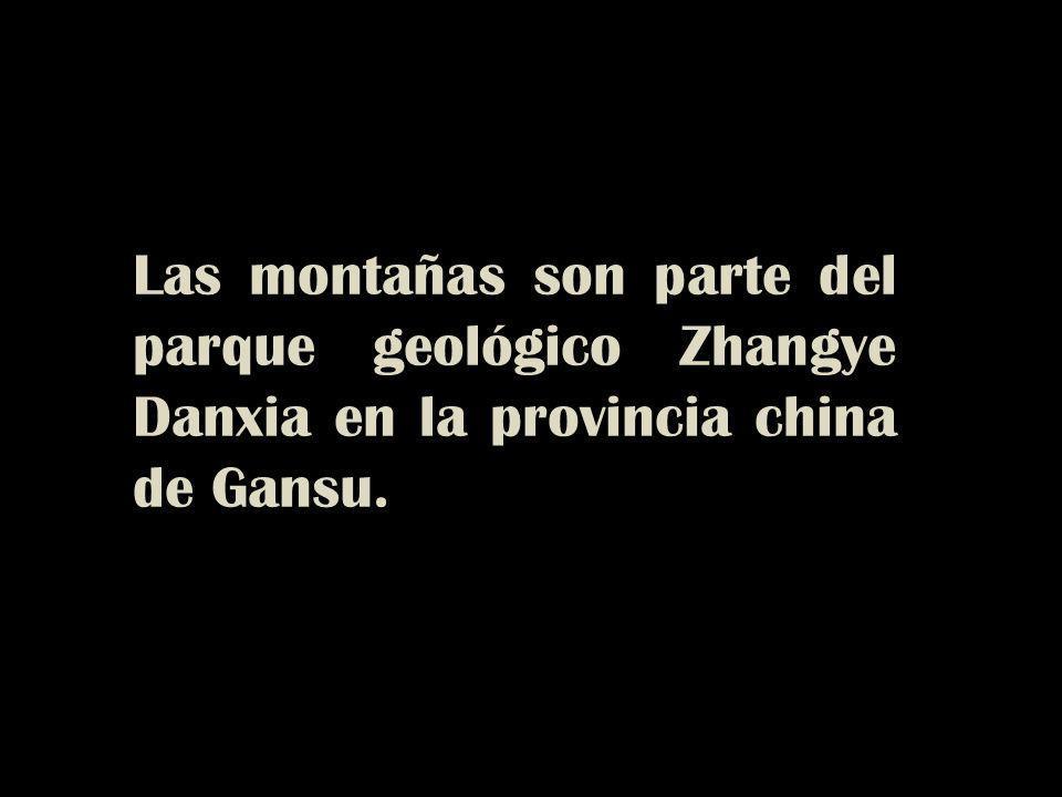 Las montañas son parte del parque geológico Zhangye Danxia en la provincia china de Gansu.