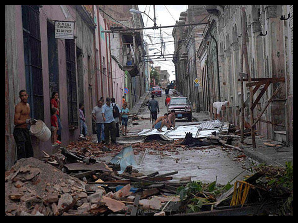 amanecer desolador en Santiago de Cuba… Jueves, 25 de Octubre del 2012
