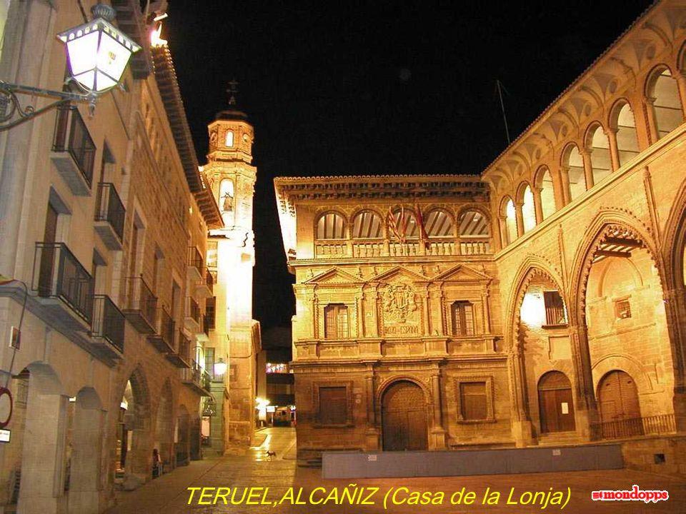 TERUEL,ALCAÑIZ (Casa de la Lonja)