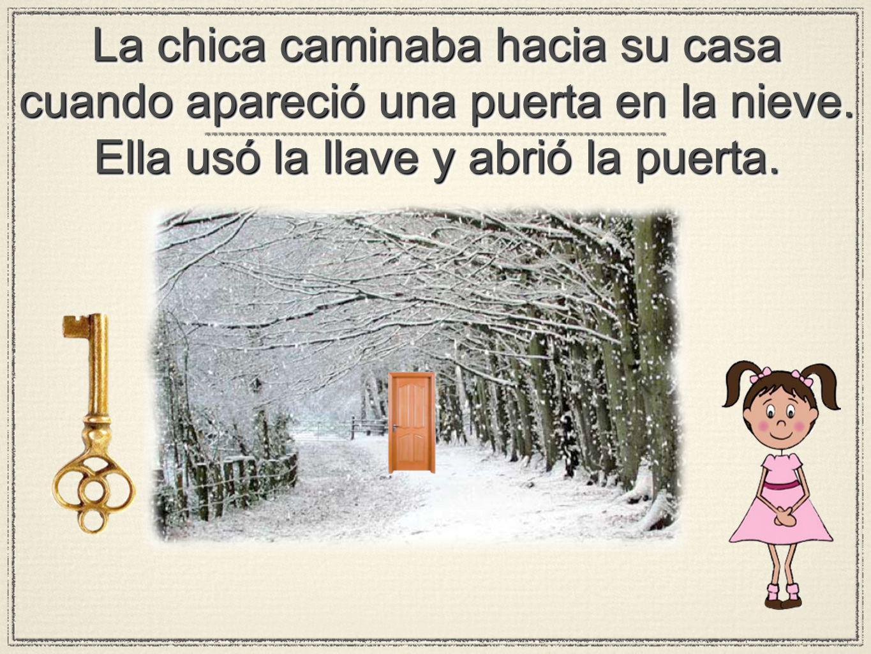 La chica caminaba hacia su casa cuando apareció una puerta en la nieve