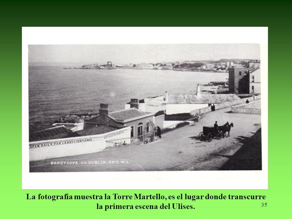 La fotografía muestra la Torre Martello, es el lugar donde transcurre