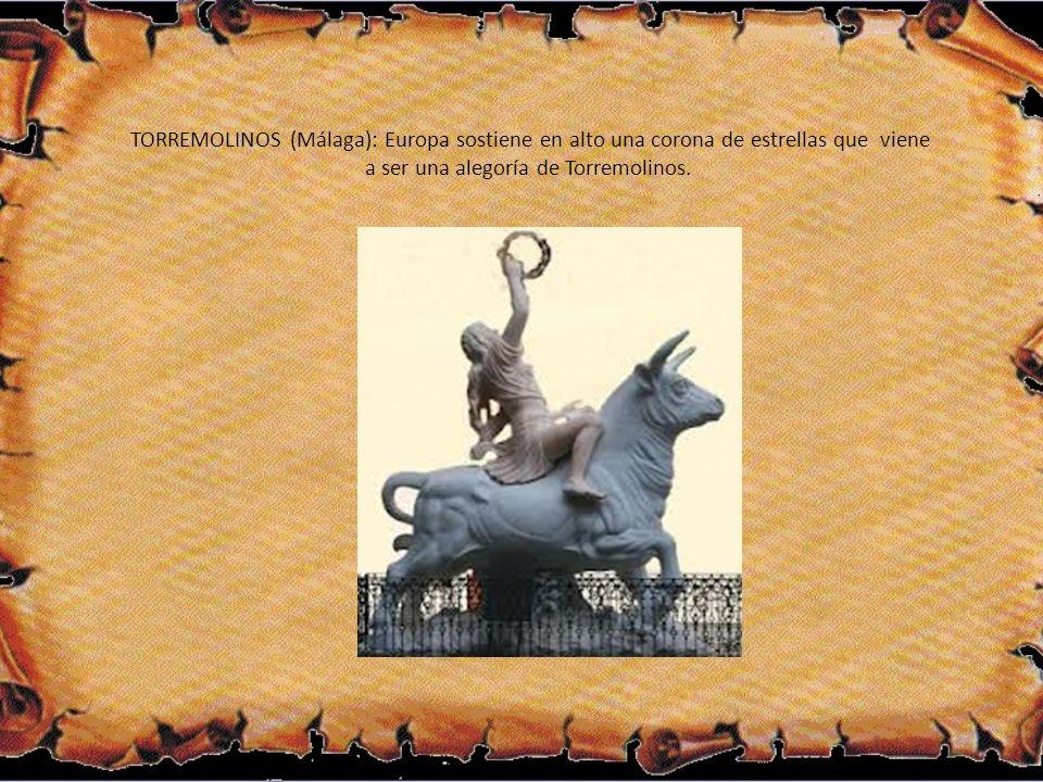 TORREMOLINOS (Málaga): Europa sostiene en alto una corona de estrellas que viene a ser una alegoría de Torremolinos.