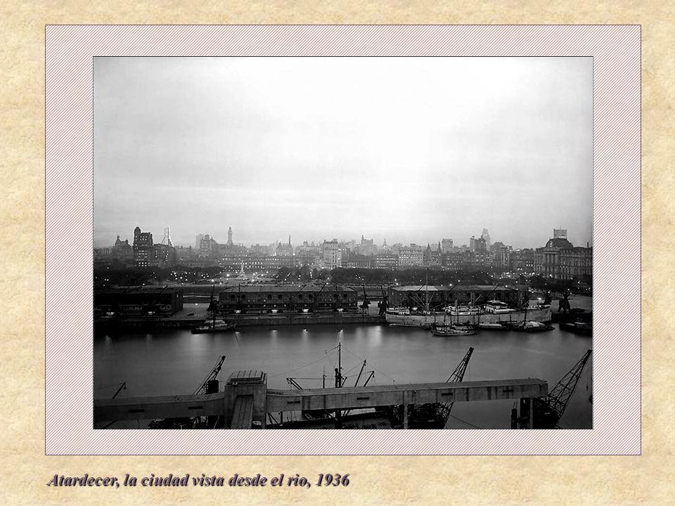 Atardecer, la ciudad vista desde el rio, 1936