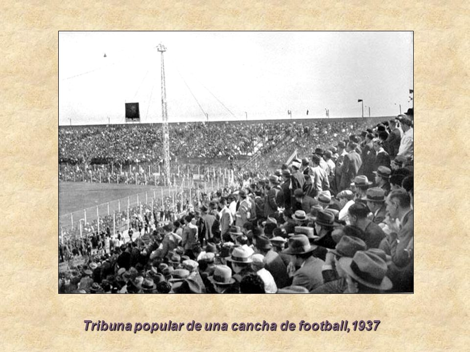 Tribuna popular de una cancha de football,1937