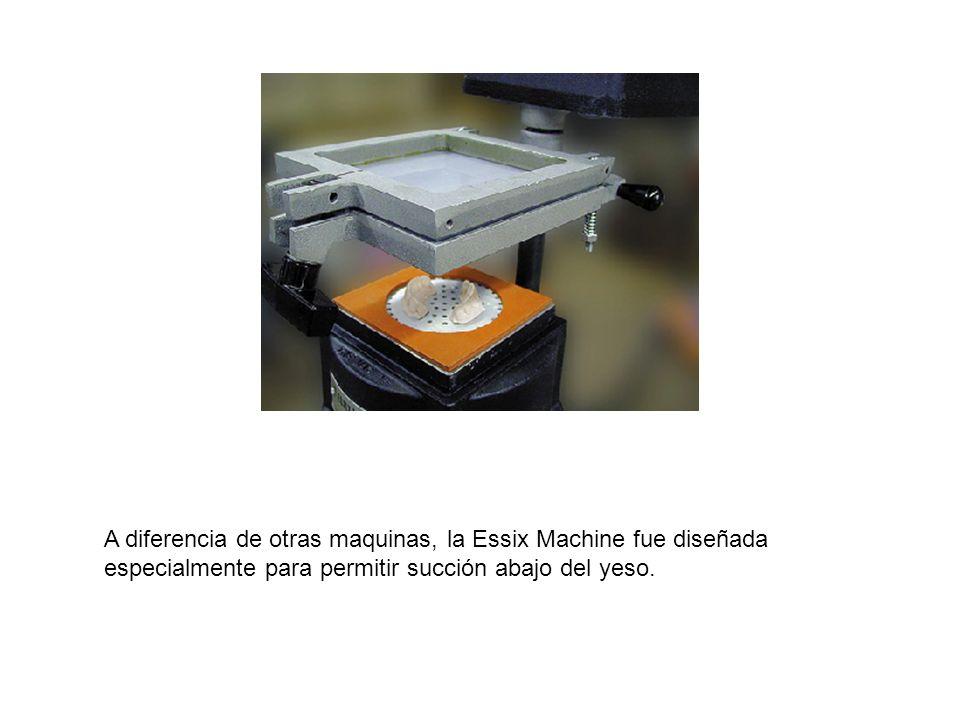 A diferencia de otras maquinas, la Essix Machine fue diseñada especialmente para permitir succión abajo del yeso.