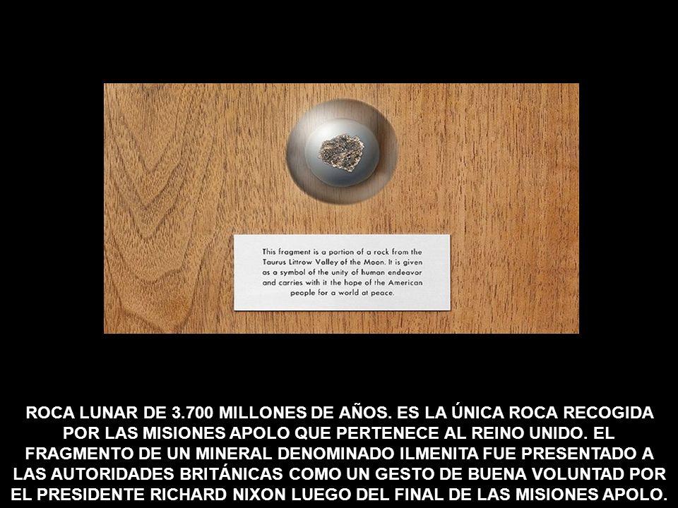 ROCA LUNAR DE 3. 700 MILLONES DE AÑOS