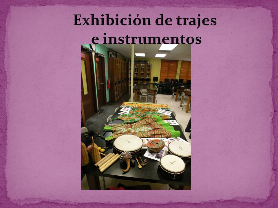 Exhibición de trajes e instrumentos