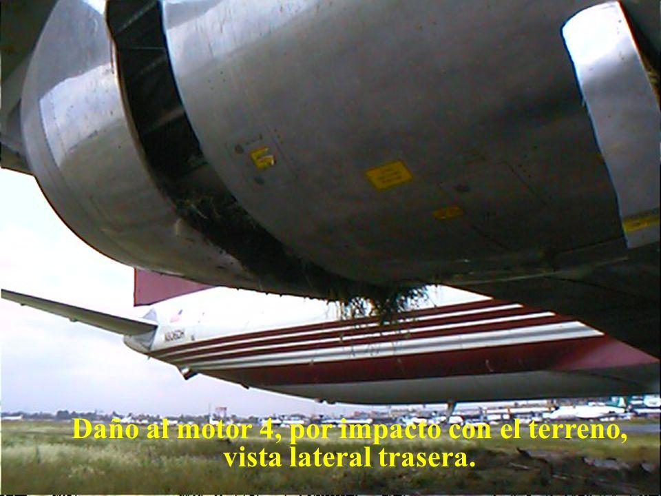 Daño al motor 4, por impacto con el terreno, vista lateral trasera.