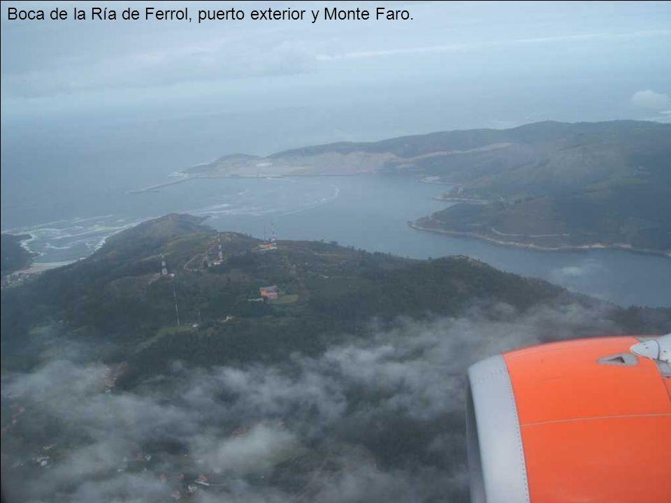 Boca de la Ría de Ferrol, puerto exterior y Monte Faro.